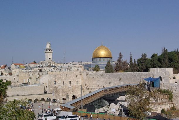 800px-Jerusalem_Dome_of_the_rock_BW_13